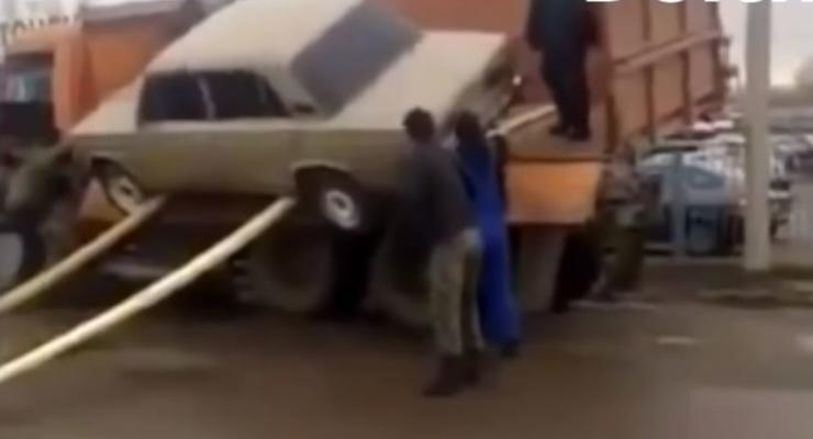 Сумасшедшие неудачи при погрузке машин: Пятничная автоподборка #30