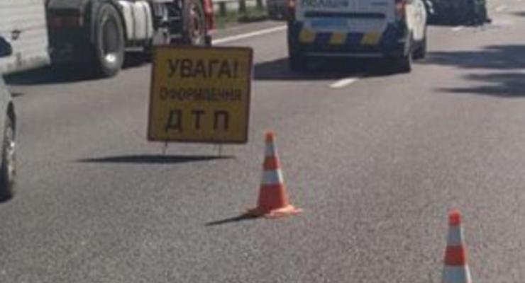 Под Киевом Citroen с двумя детьми жестко протаранил припаркованную Toyota