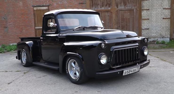Из старого советского грузовика сделали очень крутой спорткар-пикап - видео