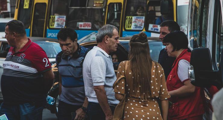 В СМИ сообщают, кто влетел в толпу на Range Rover в Киеве
