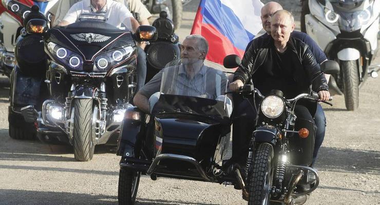 Почему Путина не оштрафовали за езду без шлемы - объяснение полиции РФ
