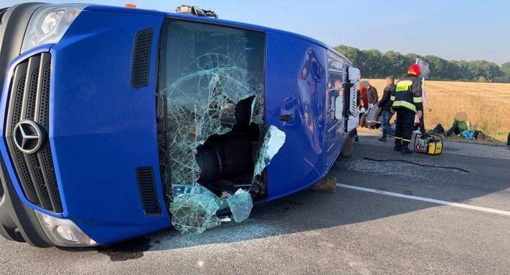 Жуткое смертельно ДТП с маршруткой и фурой - появилось видео из салона автобуса