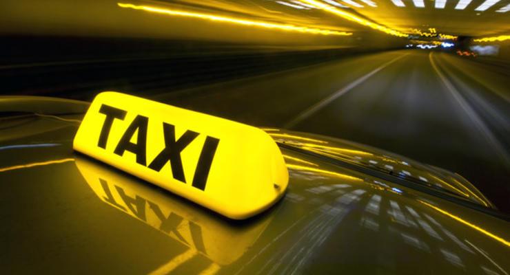 """Как """"Слуга народа"""" планирует заставить таксистов платить налоги"""