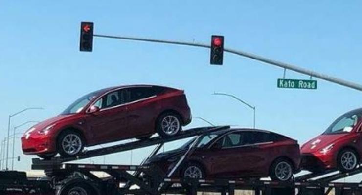 Новенькие предсерийные Tesla Model Y начали замечать на дорогах - живые фото