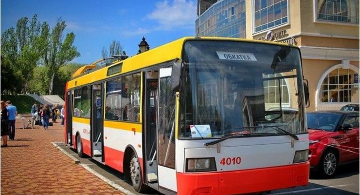 В Одессе начал работу первый в городе электроавтобус