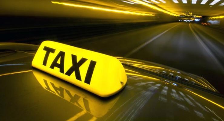 В Украине собираются сделать проще процедуру регистрации такси