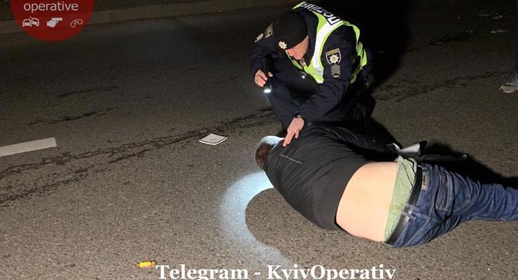 В Киеве на Газопроводной улице Chevrolet сбила перебегающего дорогу