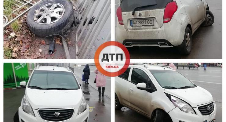 Странное ДТП в Киеве: Ravon врезался в ограждение и потерял колесо