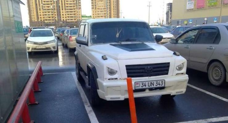 В Сети опубликовали фото смешного гибрида Нивы и Mercedes G-Class