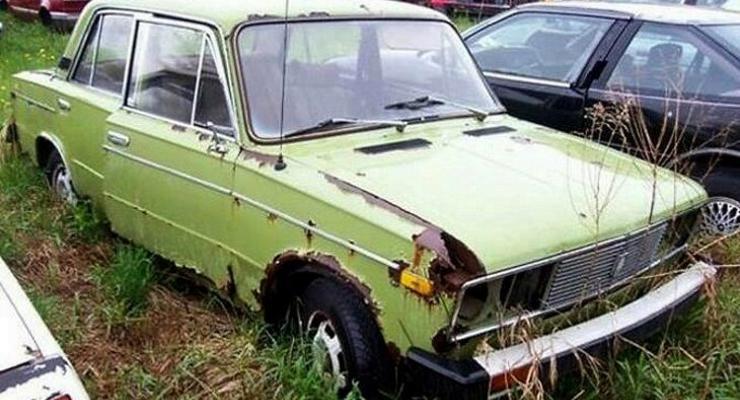 Большое кладбище заброшенных автомобилей ВАЗ обнаружили в Канаде