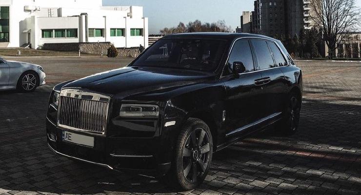 Самый дорогой в мире внедорожник засняли в маленьком городе в Украине