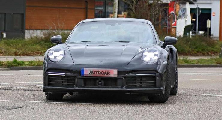 Новейший Porsche 911 Turbo S засняли за месяц до презентации - фото