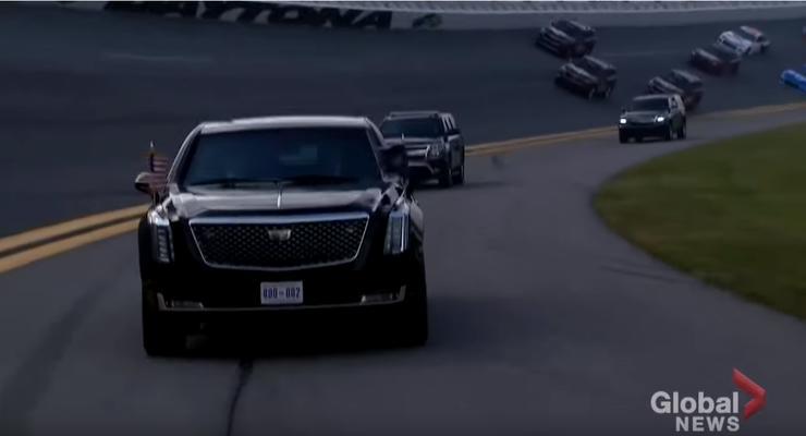 Президентский кортеж возглавил самую престижную гонку NASCAR