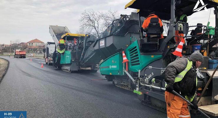 Строительство и ремонт дорог в Украине началось в 17 областях