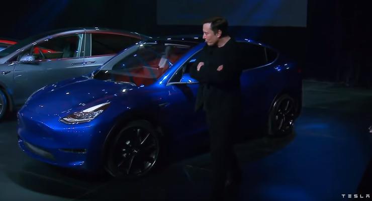 Tesla с опережением графика начинает поставки электрического кроссовера Model Y