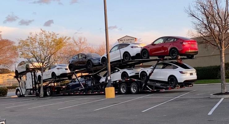 Model Y Tesla отправилась к своим покупателям: Фото