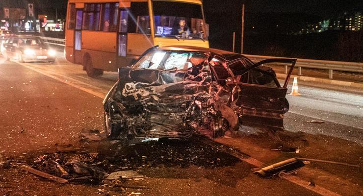 Под Киевом на выходных произошло лобовое столкновение - оба водителя не выжили