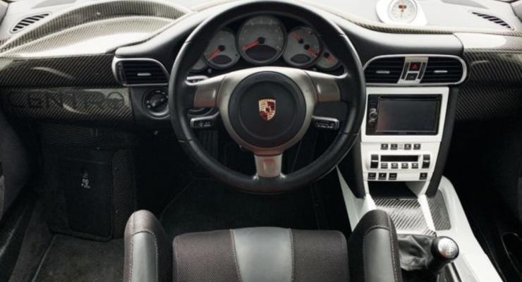 Porsche 911 Carrera S с центральным расположением руля потерпел фиаско на аукционе