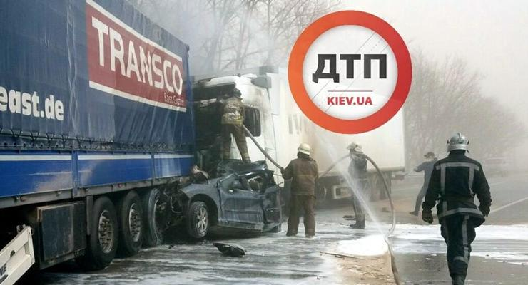 Из-за песчаной бури под Киевом в ДТП погибли четыре человека
