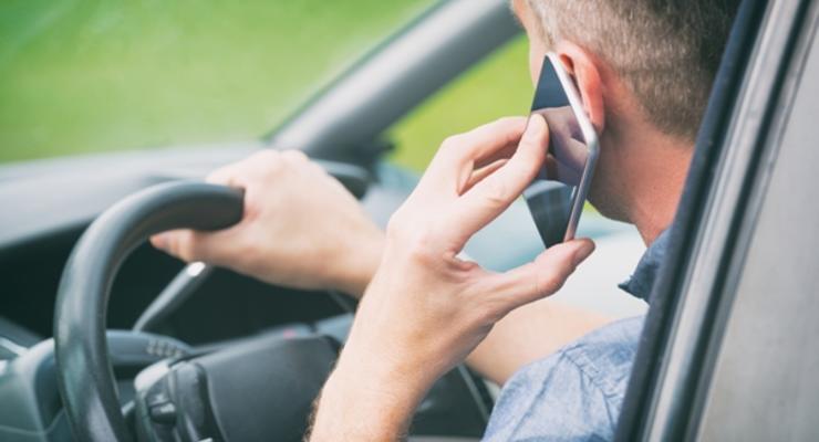 Использование телефона за рулем докажет оператор: Решение суда