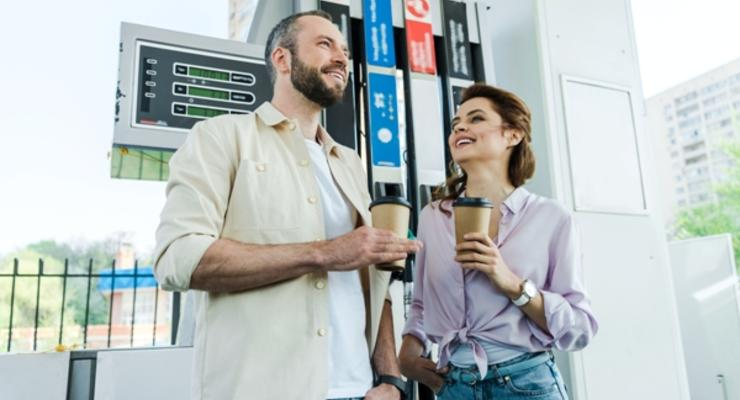 В Украине снова снижаются цены на бензин