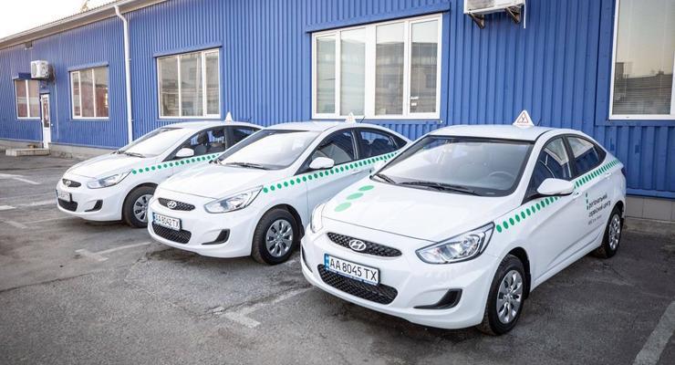 В сервисных центрах МВД вновь принимают экзамены по вождению