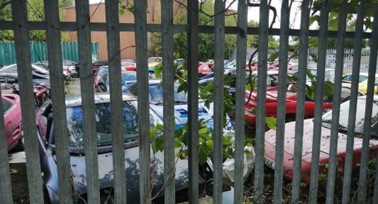 В Британии нашли заброшенную коллекцию старых Toyota