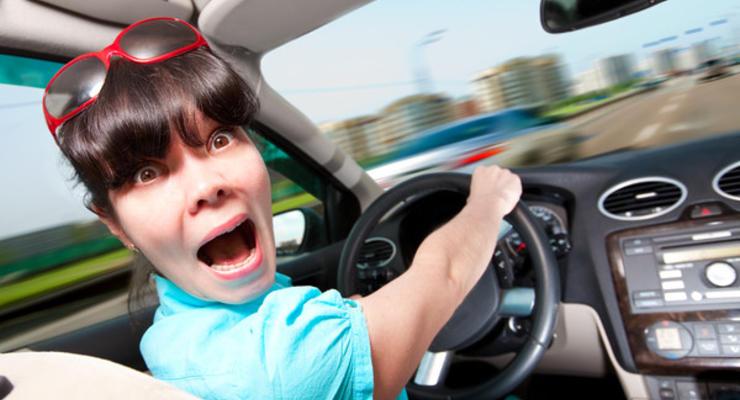 """Какой штраф заплатит водитель, которого """"поймали"""" за рулем без прав"""