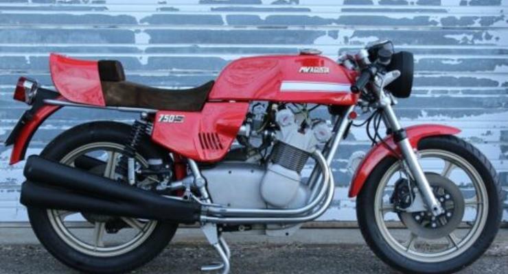 Редкий мотоцикл продали в США за 100 тысяч долларов