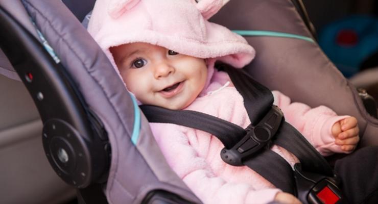 Как накажут водителя, перевозившего ребенка без автокресла: Подробности