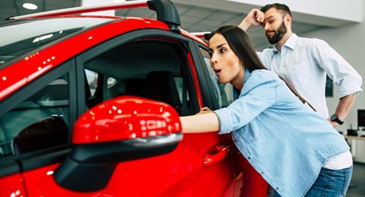 В июне украинцы покупали больше новых автомобилей