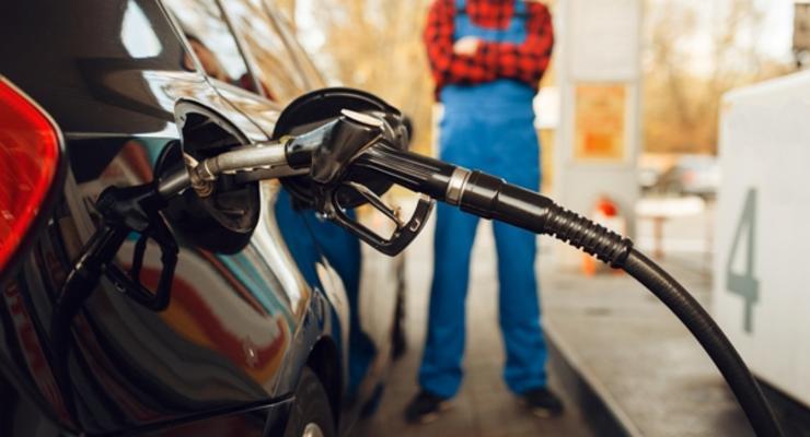 Впервые за год цены на бензин в Украине пошли вверх: Цифры