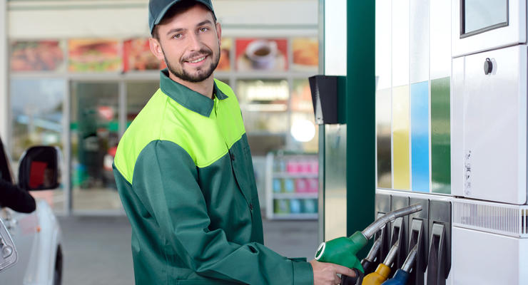 Заправки в Украине вновь повысили цену топлива: Цифры