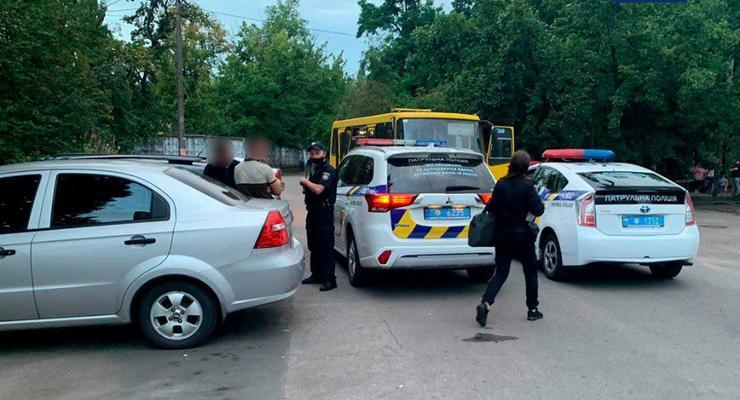 В Киеве хулиганы угнали маршрутку: Происшествия за 27 июля
