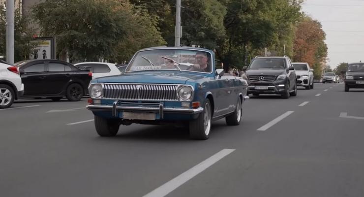 Украинские Кулибины собрали роскошный кабриолет из старой Волги: видео