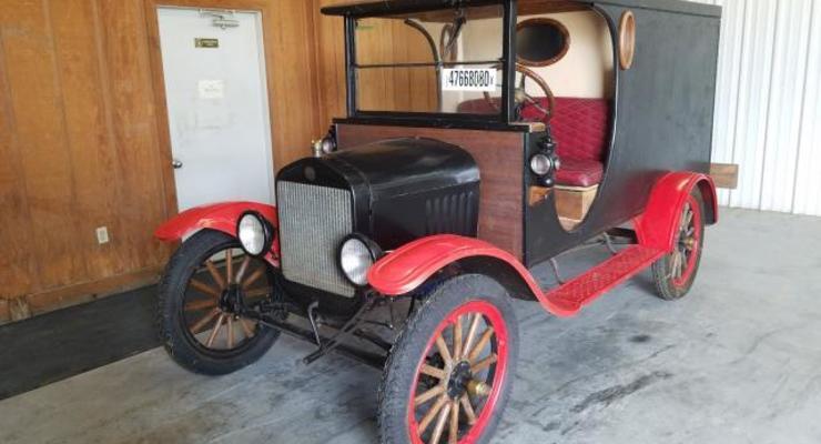 В сети продают уникальный столетний автомобиль из США: названа цена
