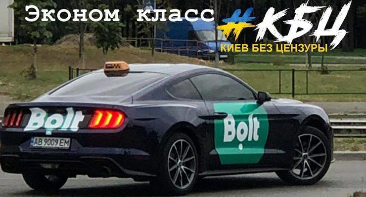 В Киеве заметили новенький Ford Mustang на работе в такси: фото