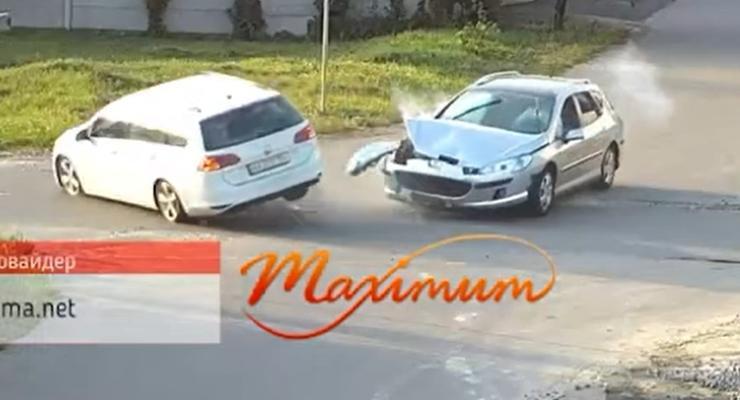 Подборка эпичных ДТП на украинских перекрестках: видео