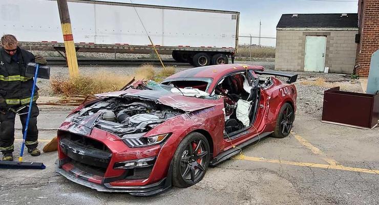 В США пожарные уничтожили 770 сильный Ford: подробности