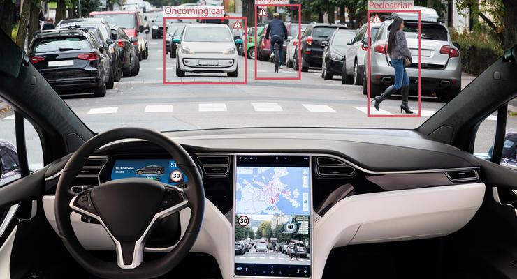 Tesla  представила полноценный автопилот: видео