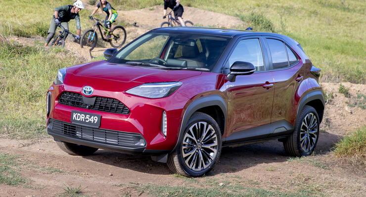 Самый дешевый кроссовер Toyota поступил в продажу: названа цена