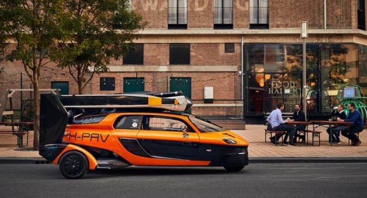 Летающие автомобили смогут свободно ездить по дорогам: подробности