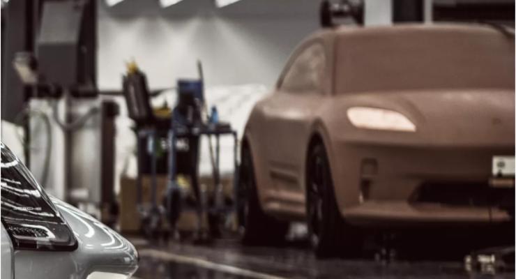 Porsche представили уникальный спорткар и минивэн: секретные концепты
