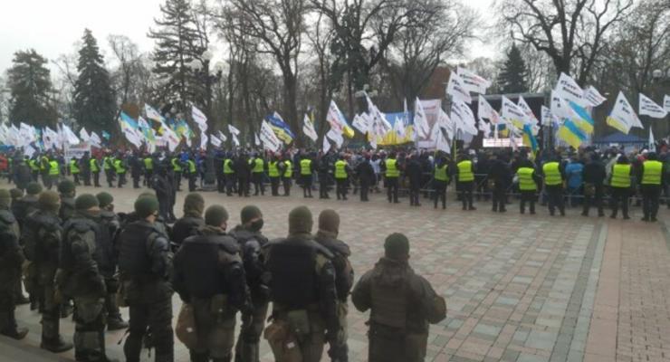 Центр Киева парализован: какие улицы стоит объезжать, карта