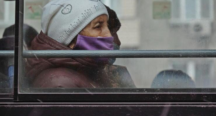 За стоячих пассажиров штраф 17 тысяч: карантинные проверки полиции