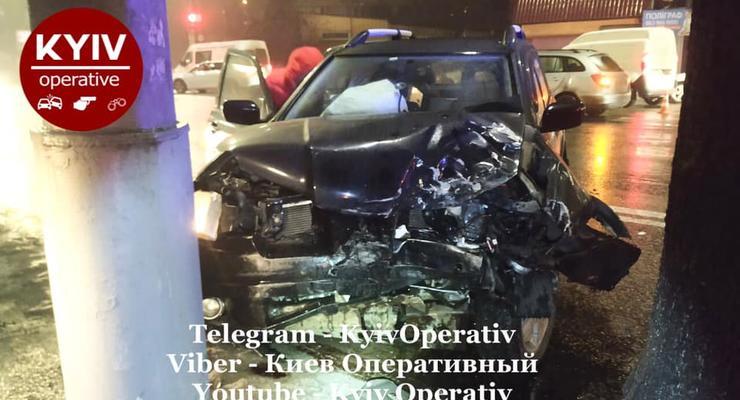 Пьяный водитель разбил три автомобиля в Киеве: фото с места ДТП