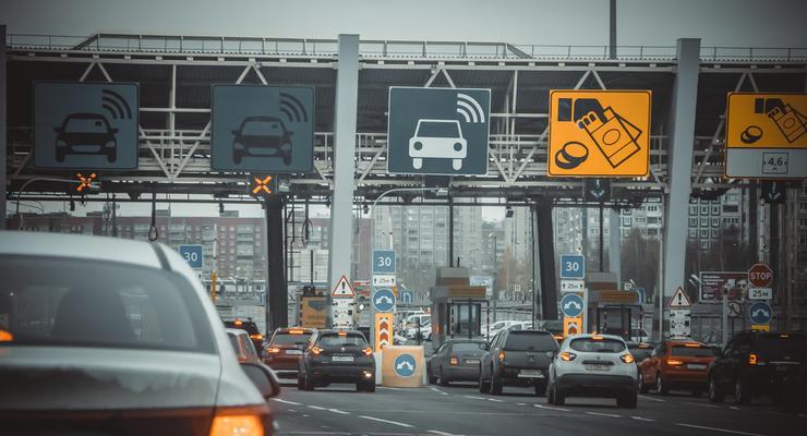 Названа стоимость проезда по платным дорогам в Украине