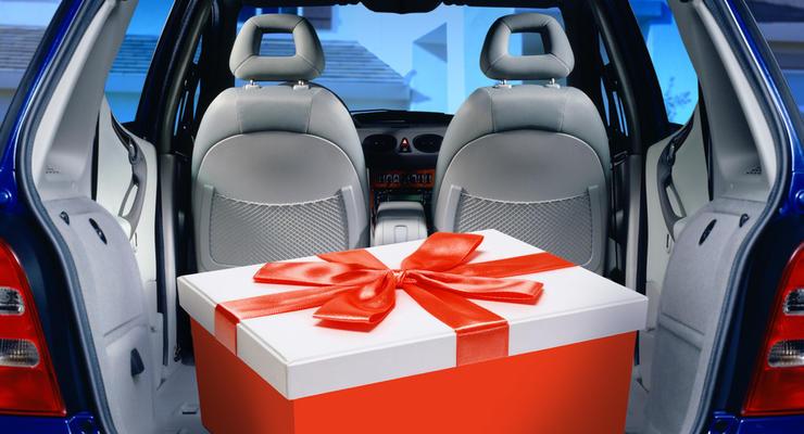 Лучшие подарки для водителя к Новому году: подборка