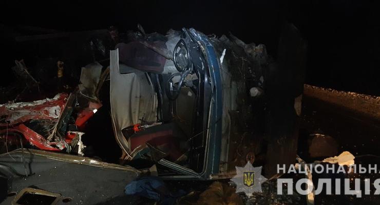 В Харьковской области столкнулись два грузовика: ДТП стало смертельным