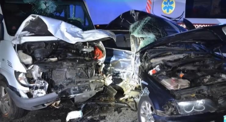 Серьезная авария во Львовской области: 9 человек увезли в больницу